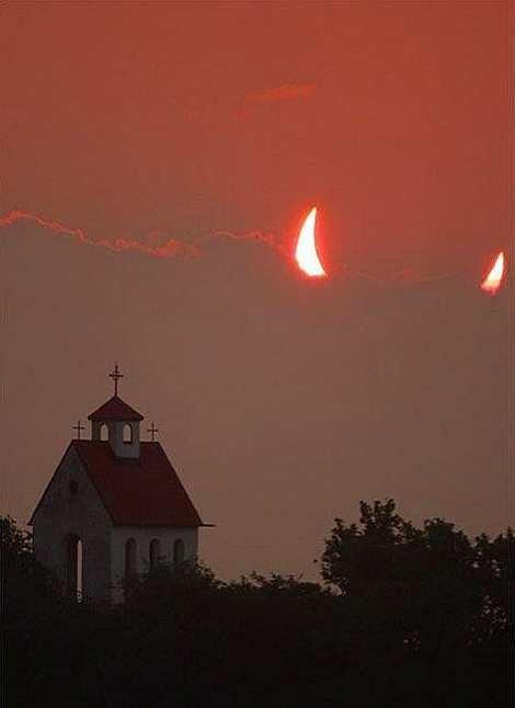 AHHHHHHHh. .. This wouldnt happen to be an ortodox church??? AHHHHHHHh This wouldnt happen to be an ortodox church???