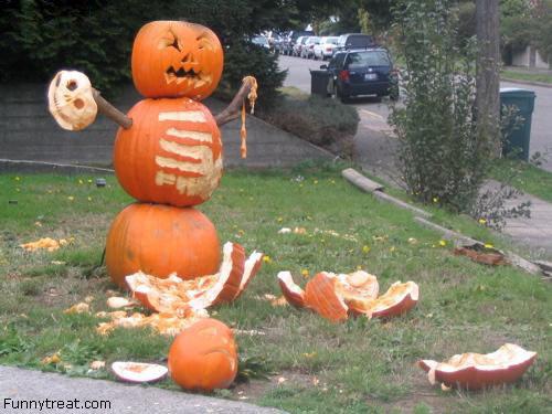 Murderous pumpkin. happy halloween!.. i seen't it but iz laugh anyways Pumpkin murder Halloween Knife Evil Scary