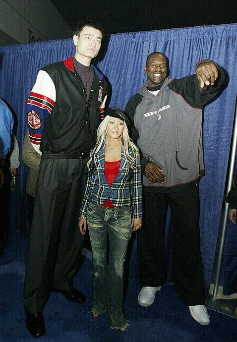 Yao Ming, Christina Aguilera and Shaq. . Yao Ming Christina Aguilera and Shaq