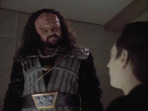 Klingon vs Data. Robots are superior race.