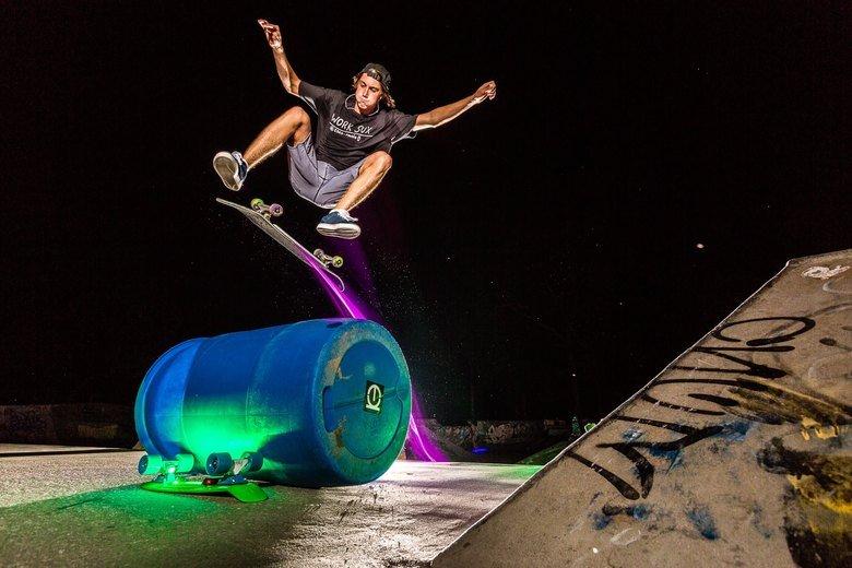 I want right meow!. Thirdkindbeyomd.com. Skate Skateboard skateboards Light lights lasers Badass dope thirdkind