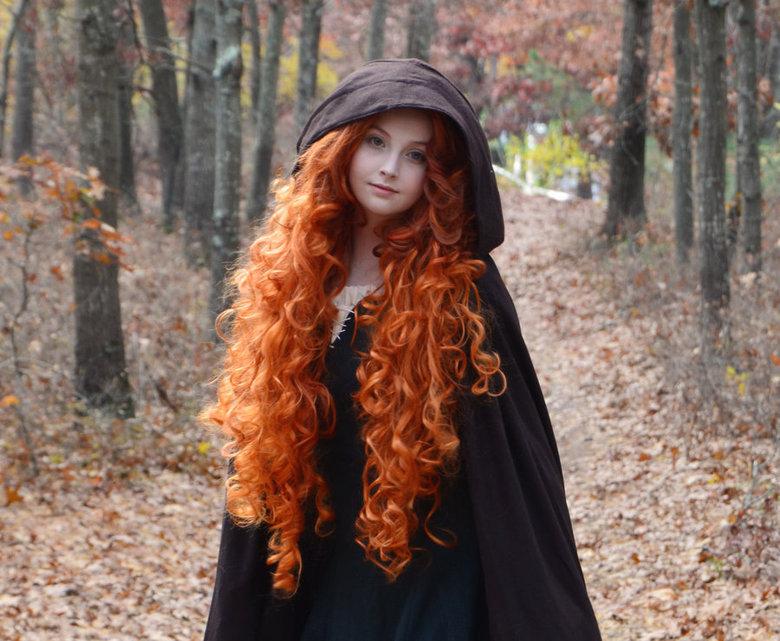 Merida Cosplay from Brave. source hotandgeeky.tumblr.com.. Dat hair merida cosplay Disney pixar Cute redhead ginger cool Awesome pretty girls