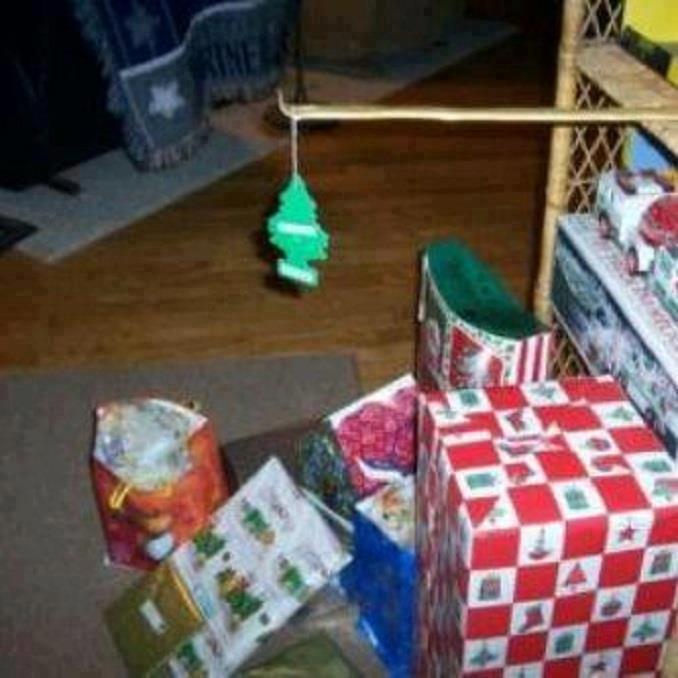 Mexican Christmas Tree. Hola, y feliz navidad, fellow Mexican Funny Junkers!.. Feliz navidad, prospero año y felicidad Mexican Christmas Tree Hola y feliz navidad fellow Funny Junkers! Feliz prospero año felicidad