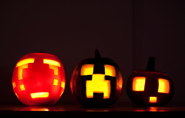 Minecraft Halloween!. It's also big enough to be a wallpaper! Found on flickr. Minecraft Halloween creeper Pumpkin