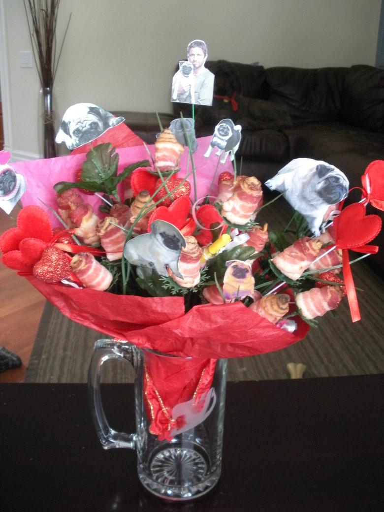My girlfriend glorious gift. .. MOAR BACON Bacon pugs Gerard Butler
